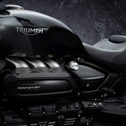 2021-triumph-rocket-3-gt-triple-black-edition-1