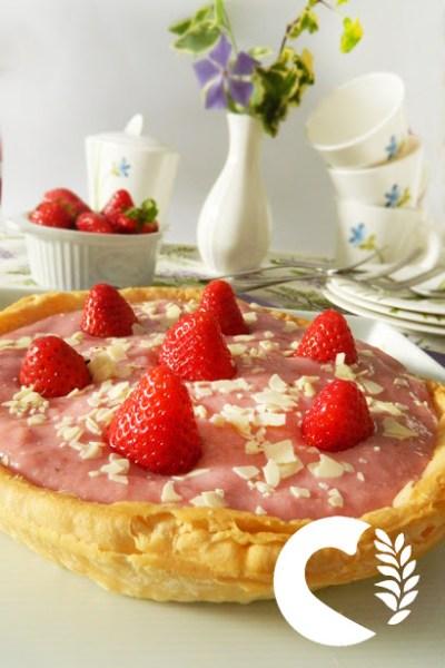 Crostata senza glutine con crema alle fragole
