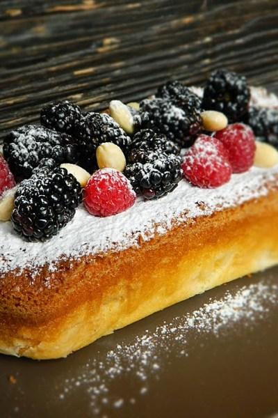 Plumcake sofficissimo alle pesche senza glutine