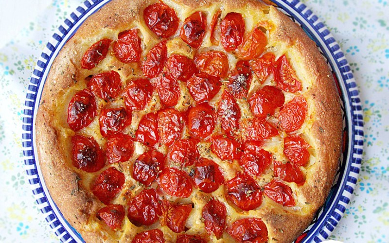 Focaccia senza glutine al pomodoro senza impasto