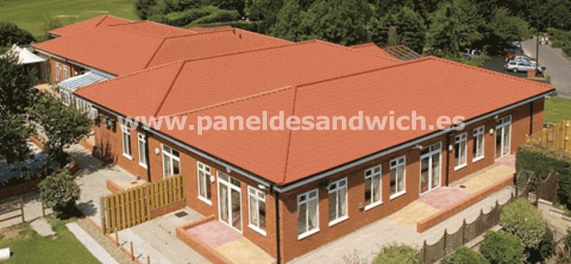 Descubra el mejor Panel Sandwich Teja para la construcción de cubiertas en entornos residenciales