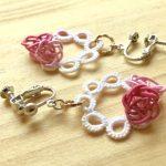華 x 花リース(ピンク x ピンク) … ¥1,200 (約4cm)(水引 レース糸)(真鍮)