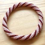 No.3 ビーズクロッシェブレスレット(ピンク) … ¥1,500 (内径:約16cm)(シードビーズ・レース糸)