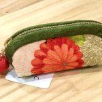 No.90 印鑑ケース(花柄) … ¥500 (絹)(4cm x 9cm マチ2.5cm)