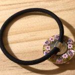 No.2-25 ガラスのヘアゴム(ピンク) … ¥2,000 (直径:2.3cm ゴムの太さ:4mm)(ガラス)