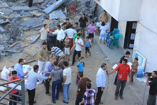 Bang Onim Salurkan Bantuan Pada Warga Gaza Dibawah Serangan Roket Israel 3