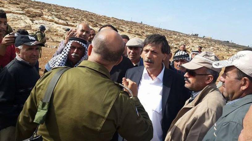 Abu Ain menteri palestina memprotes tentara zionis
