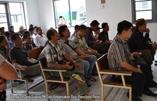 Sidang Putusan Praperadilan Agus J di PN Solo 1