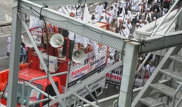 Demo Umat Islam Indonesia di Kedubes Myanmar 1