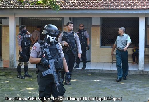 Ruang Tahanan Aktivis Anti Miras Solo di PN Solo dijaga ketat aparat