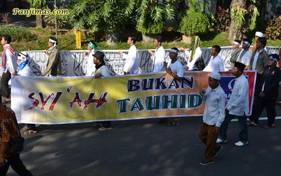 Syi'ah Bukan Tauhid dari FKAM saat Parade Tauhid