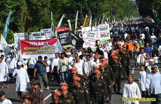 Tolak Syi'ah & Komunis dari NKRI dalam Parade Tauhid
