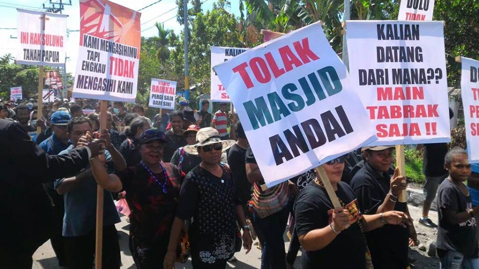 Massa Kristen Manokwari, Papua demo tolak Masjid