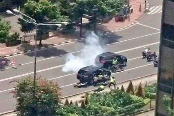 Baku Tembak Bom Sarinah
