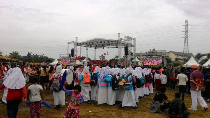 Ratusan pelajar muslim dari berbagai sekolah Islam diundang hadir dalam acara baksos