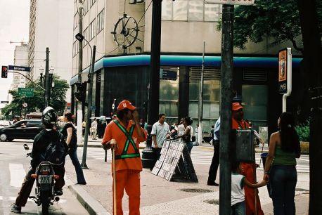 São Paulo- uliczni zamiatacze