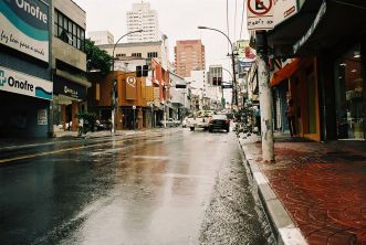 São Paulo w deszczowy dzień, ulica Augusta