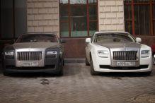 """Parking przed hotelem """"Ukraina""""- Гостиница Украина"""