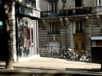 Skrzyżowanie Rue Caulaincourt i Rue Lamarck