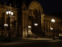 Petit Palais nocą