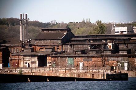 Widok na Stocznię Gdańską od strony Martwej Wisły