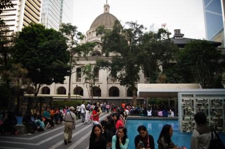 Filipinki na Statue Square
