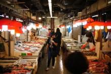 Targowisko w dzielnicy Mong kok
