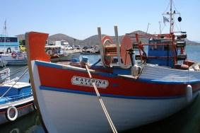 Elounda- łodzie na przystani.
