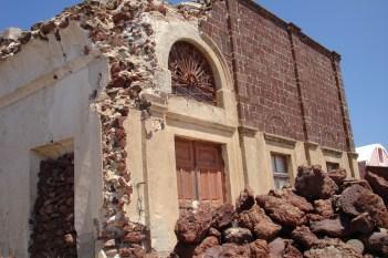 Oia- zniszczone domy