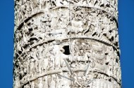 Piazza Colonna- kolumna Marka Aureliusza