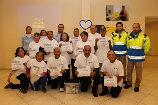 Los abuelitos de Santa Catarina reciben capacitación en primeros auxilio, con el fin de tener los conocimientos básicos en caso de poder llegar a presentarse una emergencia y poder saber cómo actuar.