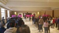 Militantes acuden a votar desde temprana hora
