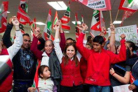 Ivonne Álvarez recibió peticiones de delegados priistas