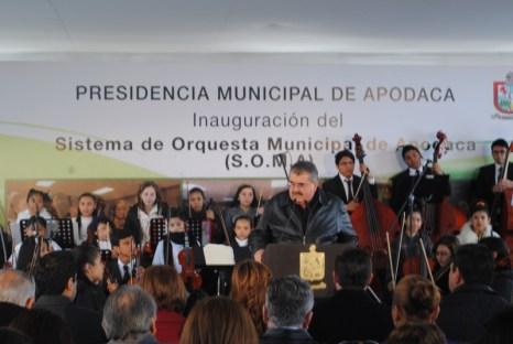 Raymundo Flores entrega obras a la ciudadanía entre las que destaca pavimentación, parque lineal y centro comunitario.