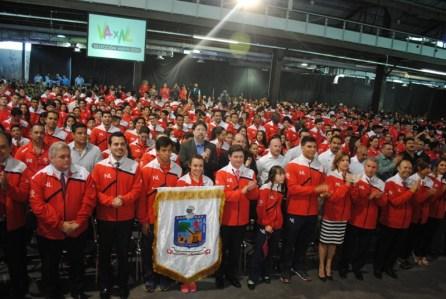 Presentan deportistas olímpicos en la Nave Lewis.