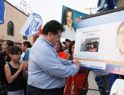 Involucra el panista, a la gente a participar en proyectos para Apodaca.