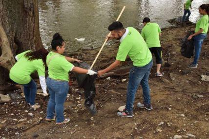 Limpian el Río La Silla en Guadalupe
