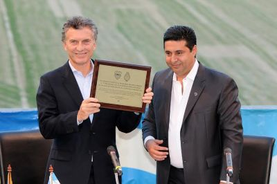 Angelici encabeza homenaje a Macri