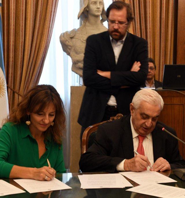 """La BCBA firmó un convenio con CABA para construir una escuela en el Barrio """"Papa Francisco"""""""