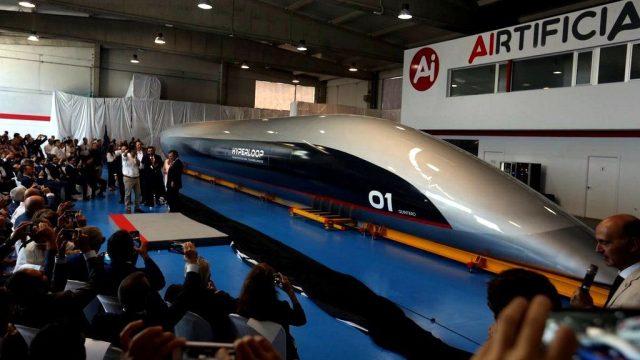 #España Presentan el primer tren supersónico español, que viajará a más de 1.000 kilómetros por hora