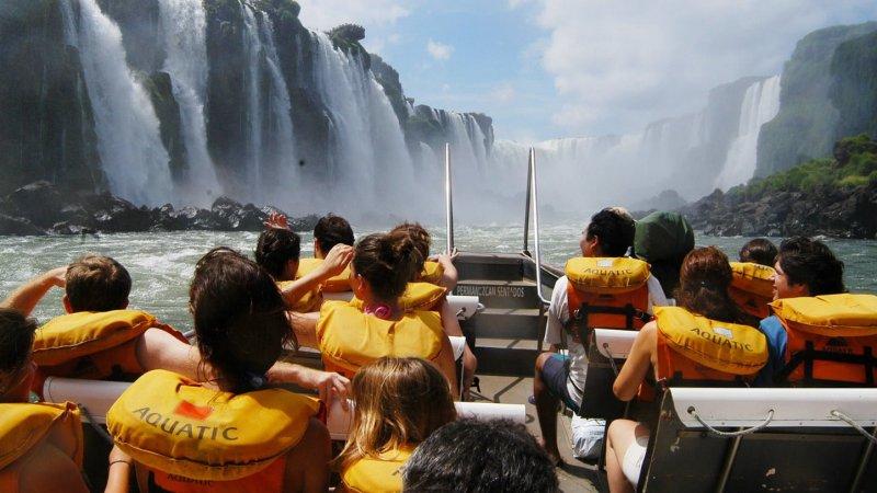 Más de medio millón de turistas arribaron a la Argentina en agosto