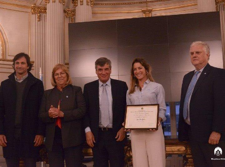Lía Salvo, la mejor polista del país, recibió esta tarde su distinción como Personalidad Destacada en el Ambito del Deporte de la Ciudad de Buenos Aires