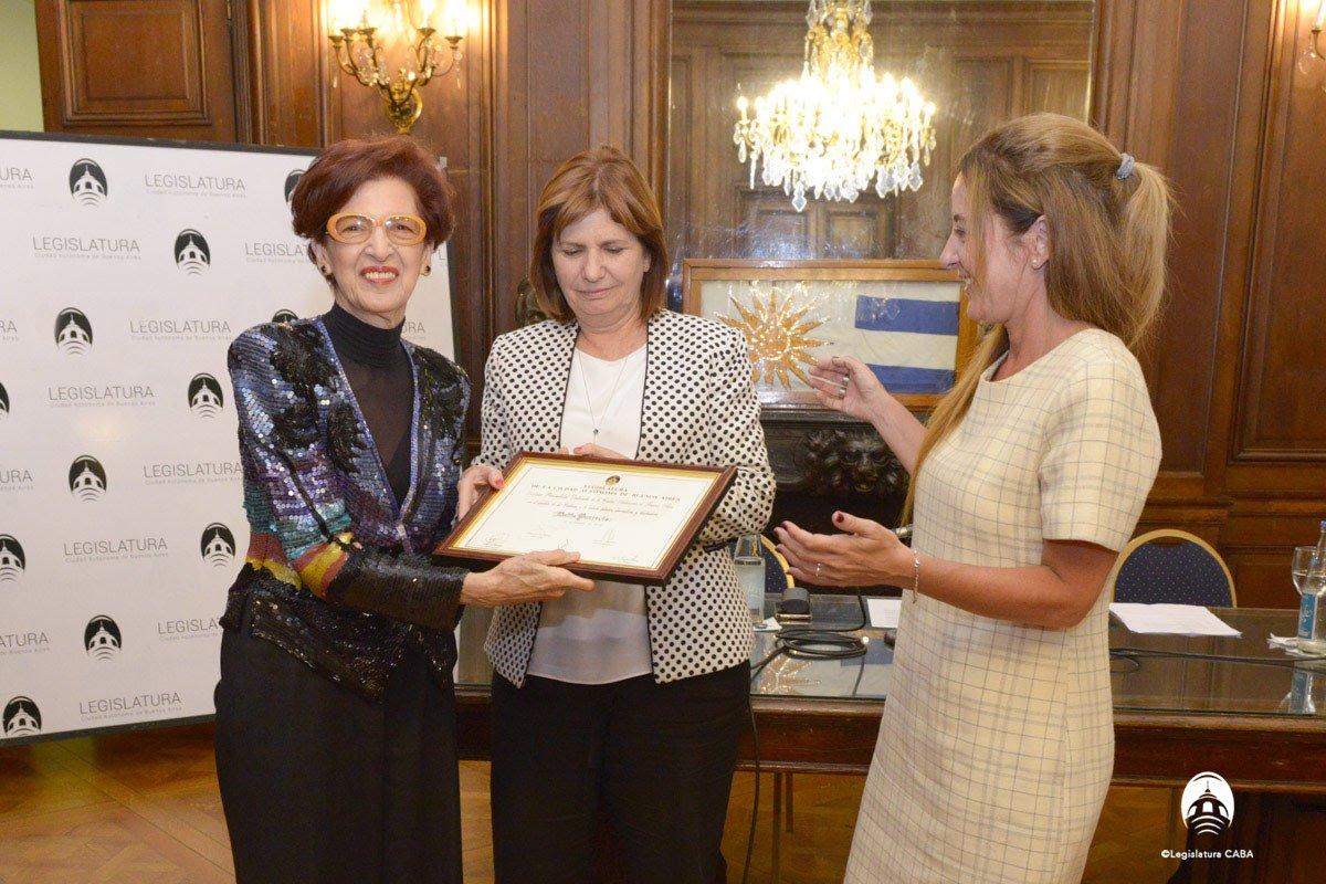 Dalila Puzzovio fue declarada personalidad destacada de la Cultura