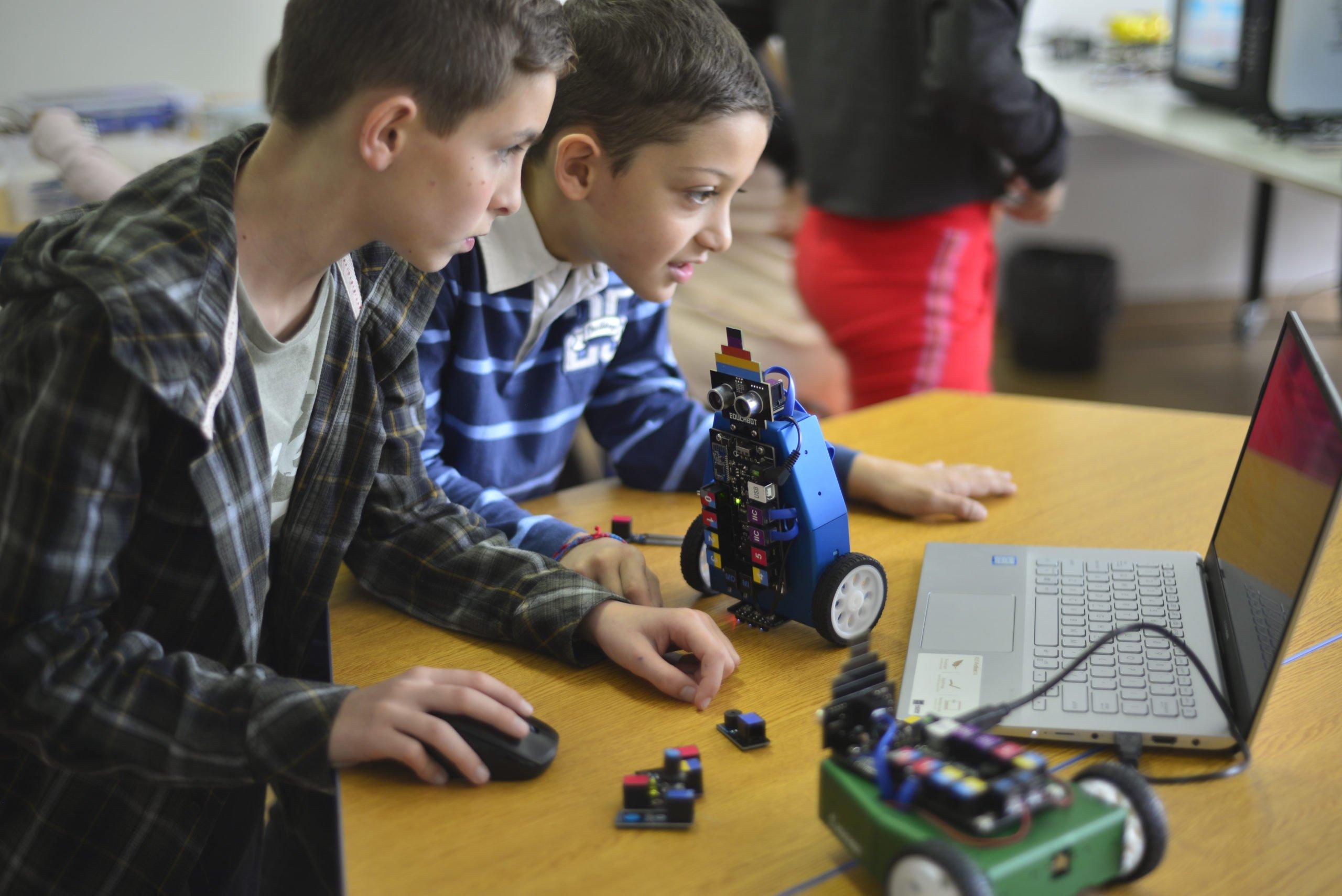 Educabot abre la inscripción para su Colonia Tecnológica de Verano