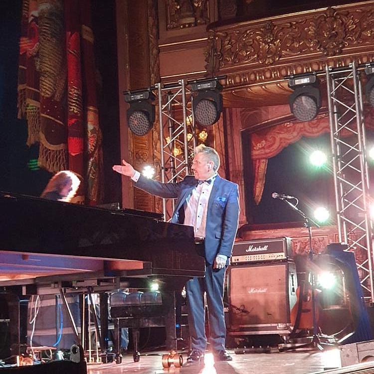 Alejandro Lerner llenó el Teatro Colón