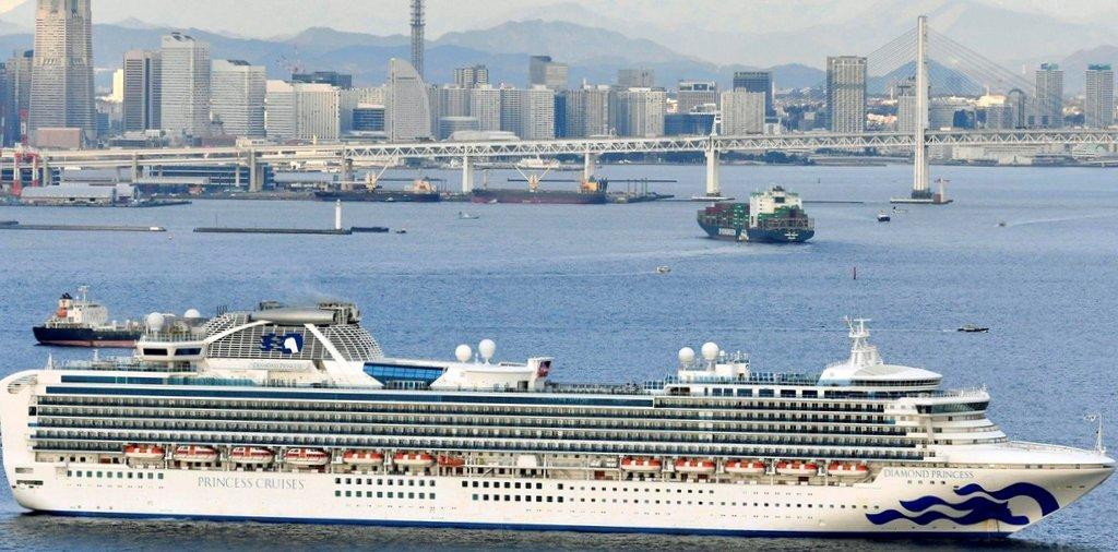 Hay ocho argentinos en el crucero japonés en cuarentena