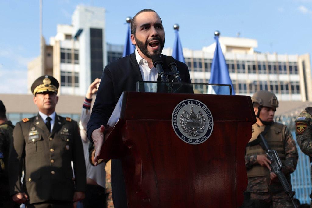 Bukele prescinde del Congreso y decreta estado de emergencia en El Salvador