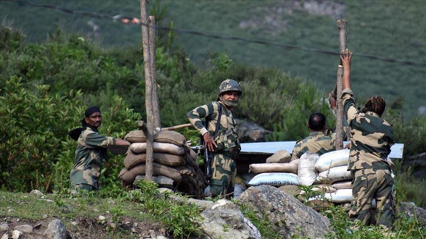 India autorizó a usar armas de fuego a sus soldados en la frontera con China
