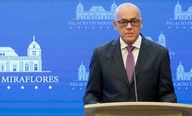 Maduro indultó a más de 100 opositores y los exhortó a participar de las elecciones parlamentarias