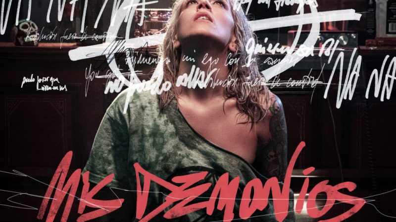 "Luciana Segovia presentó ""Mis Demonios"", su tercer single solista"